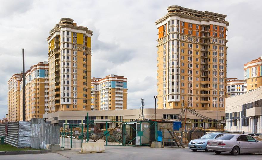 Дайджест февраля: «Царицыно» достроят, цены рухнут, реновацию продолжат