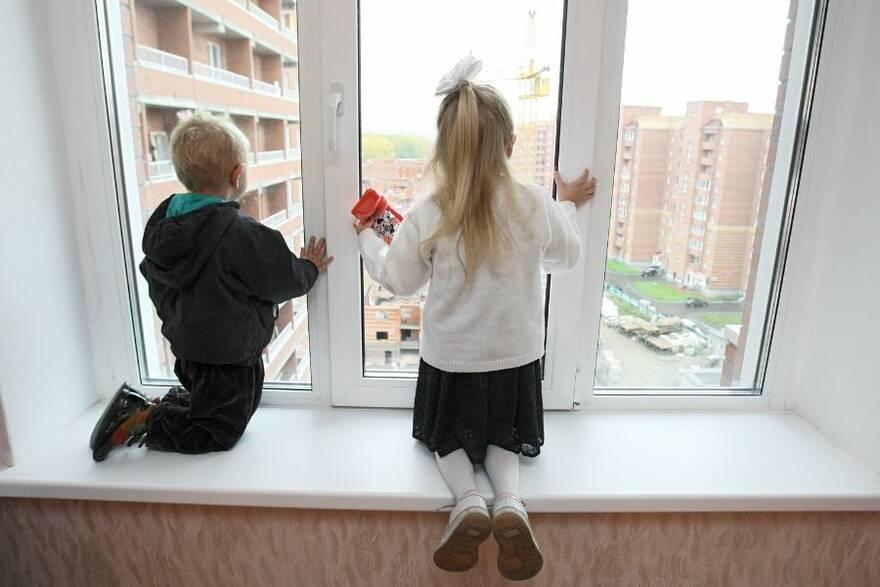 Минпросвещения предложило выдавать выходцам из детдомов жилищные сертификаты