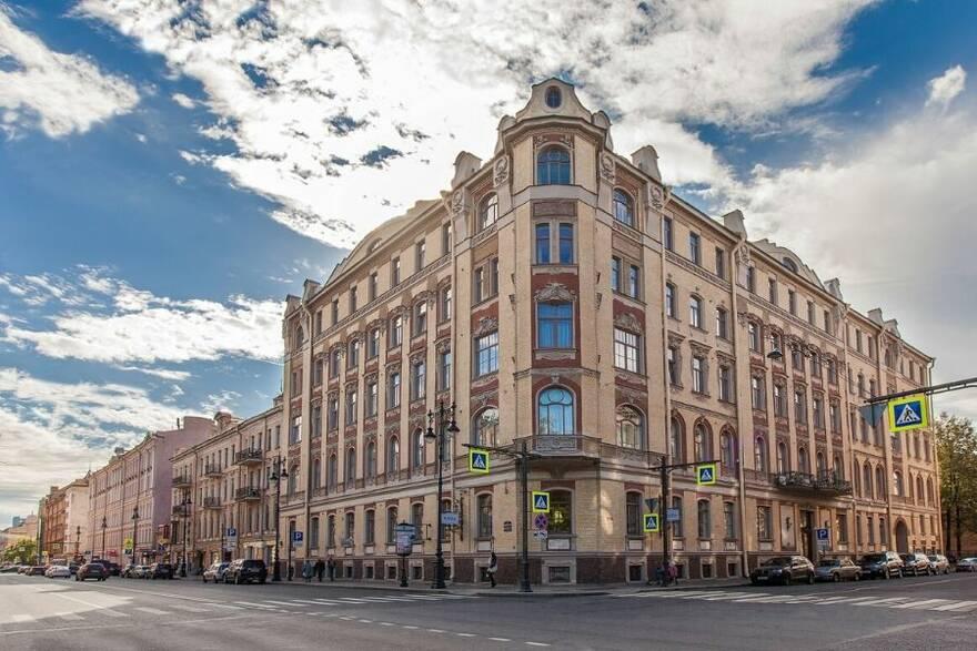 Жилой дом в центре Санкт-Петербурга