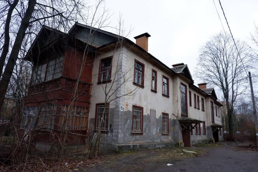 Дом в аварийном состоянии в городе Пушкино