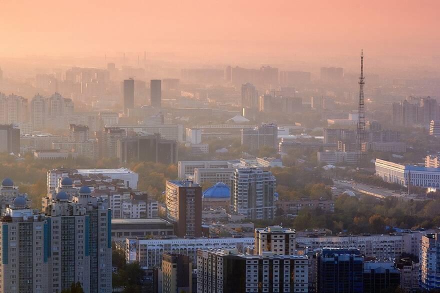Столичный дайджест марта: ценам нравится расти, Москва пролетает над госипотекой, комнаты манят, районы-отщепенцы за МКАДом