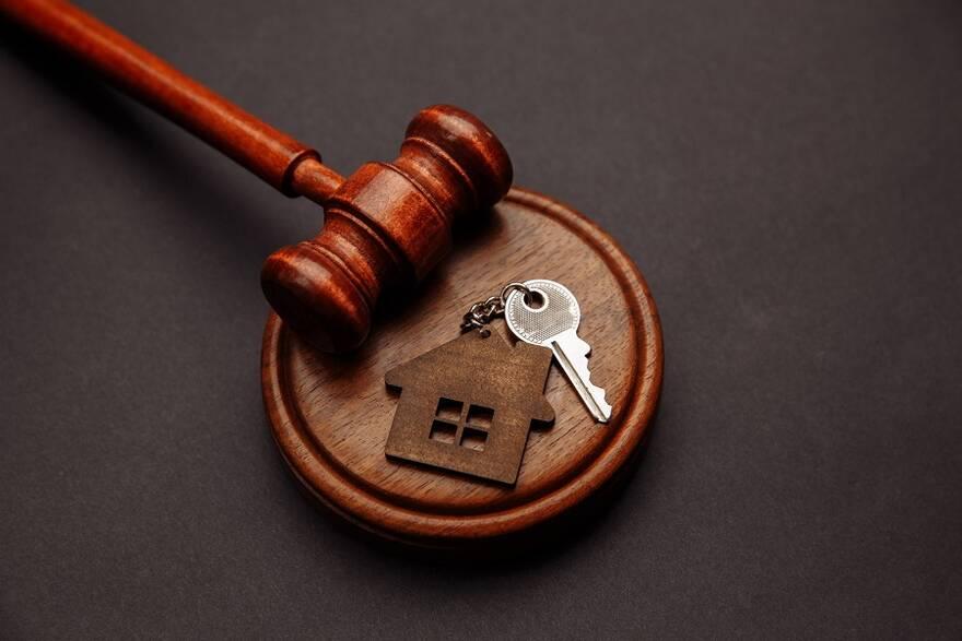 Жилье с огромной скидкой: разбираемся, как заработать на квартирных аукционах и не лишиться денег