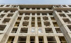 Завершаются работы по устройству каменной кладки стен -1 этажа, выполнено 90%.