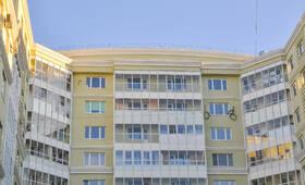 Фасад жилого комплекса «Эстет» (26.04.2013)