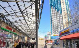 Вид от станции метро проспект Ветеранов на ЖК «Манхеттен» (10.05.2013г.)