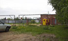 Детская площадка ЖК «Петровский» (30.06.2013 г.)