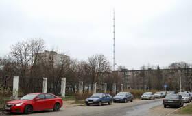 Телебашня недалеко от  ЖК на Заводской ул., д. 3 (24.10.2013 г.)