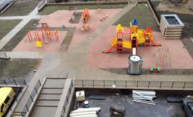 Детская площадка ЖК «Северные высоты» (28.05.2014)