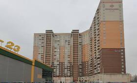 ЖК «Дом на Коломяжском, 15-1»: вид с прилегающей территории (10.02.2016)