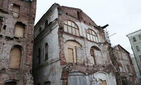 МФК «Теплые торговые ряды»: старые постройки на участке