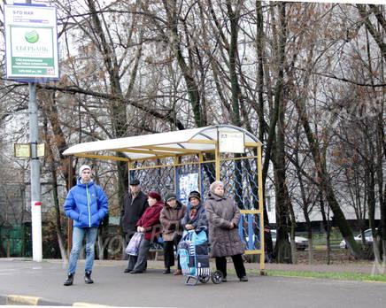 Остановка общественного транспорта около ЖК «Журавлик» (28.10.12), Декабрь 2012