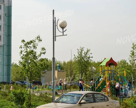 Детская площадка  ЖК «Заповедный уголок» (12.05.2013 г.), Май 2013
