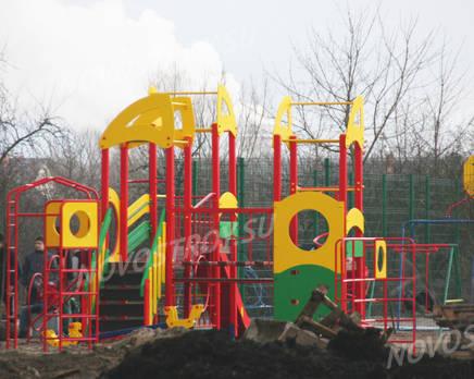 Детская площадка ЖК «Московские огни» (10.11.2013 г.), Ноябрь 2013