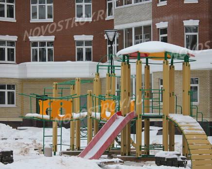 Детская площадка ЖК «Зеленая роща» (23.12.2013 г.), Декабрь 2013