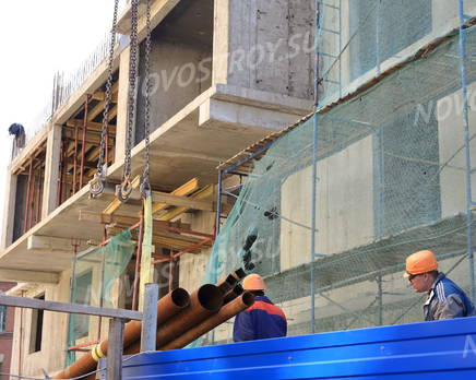 ЖК «Петроградец»: фасад. 20.05.2015., Май 2015