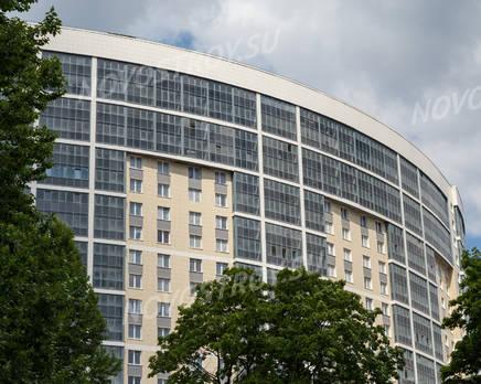 ЖК «Молодёжный»: фасад здания со стороны метро Пролетарская(19.06.2015), Июнь 2015