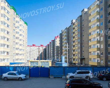 ЖК «Дом Хороших Квартир»: общий вид на комплекс со двора (20.03.16), Апрель 2016
