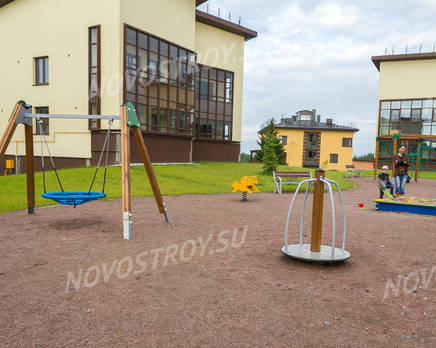 ЖК «Mistola Hills»: детская площадка, Август 2016
