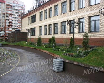 Озеленение внутреннего двора жилого комплекса «Новая династия», Декабрь 2011