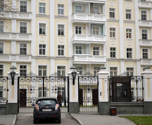 Въезд на придомовую территорию ЖК «Остоженка Парк Палас» (15.11.12)
