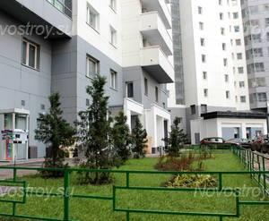 Внутренний двор ЖК «Скай Форт» (15.09.2012)