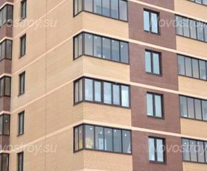 Фасад жилого комплекса «Парус» (28.02.2013)