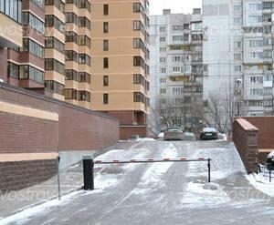 Двор жилого комплекса «Парус» (28.02.2013)