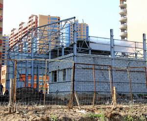 Строящийся торговый центр около ЖК «Дом на ул. Октября, вл. 2»