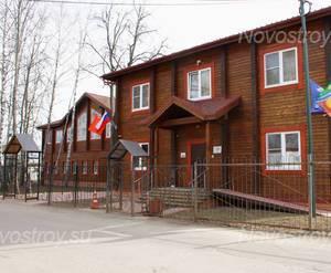 ЖК «Apila»: Здание администрации поселка рядом, 30.03.2015