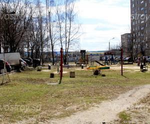 ЖК «Дом на улице Шаталова» (г. Подольск): 22.04.2015 - Детская площадка у новостройки