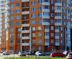 ЖК «Коломна»: 06.05.2015 - Фрагмент корпуса, нижние этажи