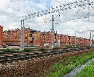 ЖК «Рублевский» (с. Немчиновка): Общий вид со стороны железной дороги. 31.05.2015