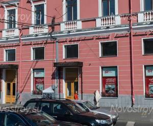 МФК «Невский, 68»: входная группа со стороны набережной (08.06.2015)