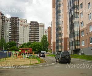 ЖК «На Травяной»: пространство между корпусами (17.06.15)