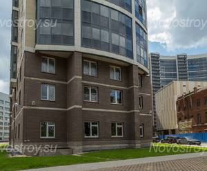 ЖК «Молодёжный»: фасад с торца (19.06.2015)