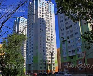ЖК «в Молжаниновском районе»: 24.06.2015 - Построенный корпус 7. На данный момент микрорайон построен и заселяется