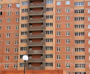 ЖК «Квадро»: 09.09.2015 - Фрагмент строящегося корпуса, средние этажи