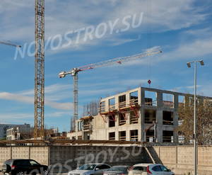 Лофт-проект «Docklands»: вид к. 3, блока 1  с прилегающей территории гипермаркета Лента (04.10.2015)
