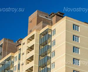 ЖК «Александрит»: фасад здания (05.11.2015)