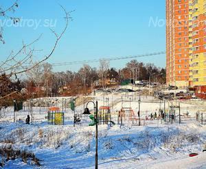 ЖК «Дача Шатена»: 08.02.2016 Детская площадка соседнего жилого комплекса в 100 м