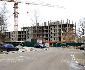 ЖК «Дом на Успенке»: 17.02.2016 -  Корпус на стадии строительства средних этажей