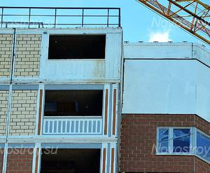 ЖК «Дом в микрорайоне Южный» (г. Красноармейск): Детали отделки фасада