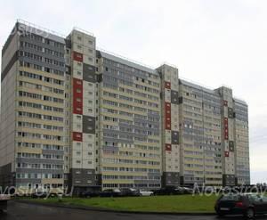 ЖК «в посёлке Тельмана» (мкр. 5): общий вид корпуса   с придомовой территории.