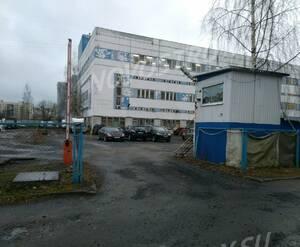 ЖК на улице Ивана Фомина: бывшее производственное здание на участке до начала строительства
