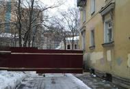 Житель Старопарголовского квартала провел одиночный пикет против строительства высотки у парка «Сосновка»