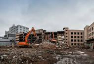 На месте будущего апарт-отеля на Херсонской начали сносить паркинг