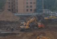 На стройплощадке ЖК «на проспекте Тореза, 77» перевернулся КамАЗ