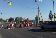 Жители Сертолово устроили акцию протеста из-за нехватки мест в образовательных учреждениях