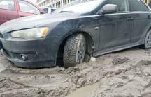 Жители элитного квартала в центре Петербурга столкнулись с «самой убитой улицей Центрального района»