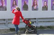 В ЖК «Огни залива» открыли фотовыставку о петербуржцах